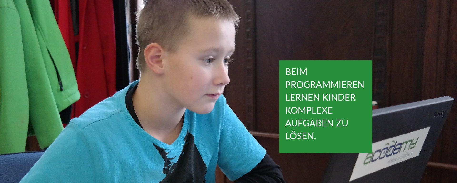 Beim Programmieren lernen Kinder komplexe Aufgaben zu lösen